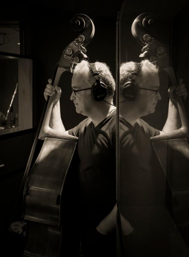 Jeff in the studio w: Sco